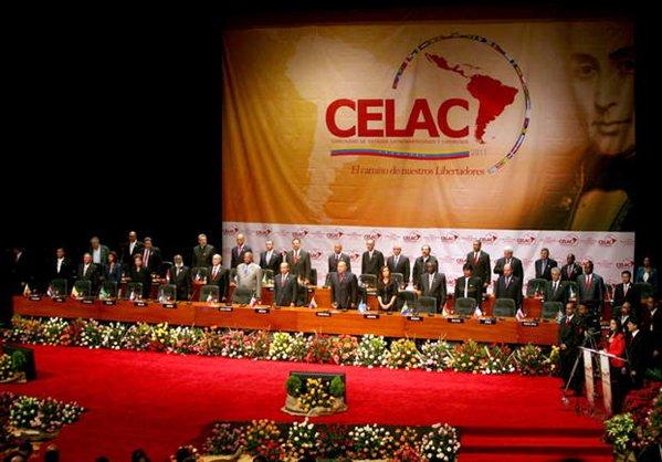 Dilma e Cristina no ato fundacional da CELAC com Chávez