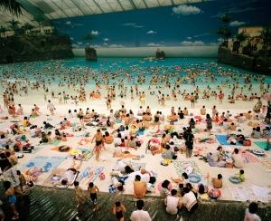 martin-parr-artificial-beach-coean-dome-miyazaki-japan-1996