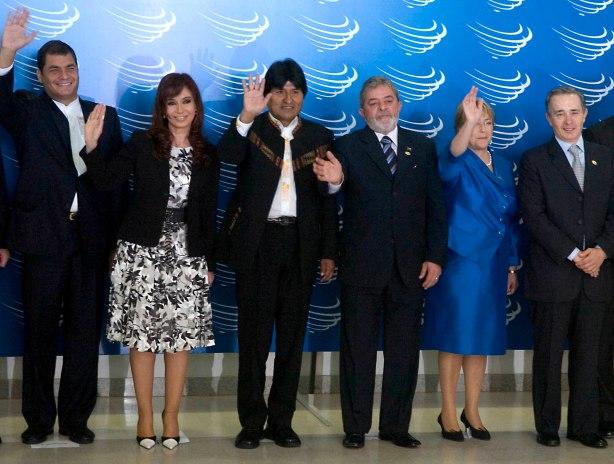 23-05-08 Brasil- Cumbre en Brasilia.